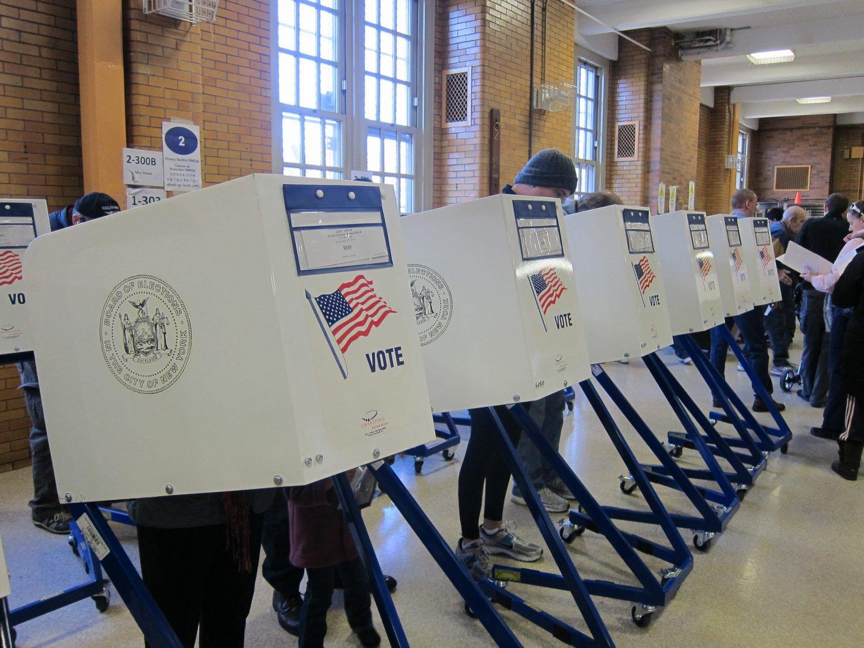 Voters cast their ballots. (Credit: Joe Shlabotnik, Flickr)