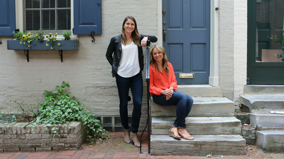 Jenna Kerner (left) and Jane Fisher used humor to woo male investors for Harper Wilde, their home try-on service for bras. (Credit: Harper Wilde)