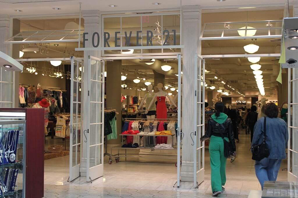 Forever 21, the fast-fashion chain that filed for bankruptcy, offers a model for how big retailers may need to rethink business for the digital age. (Credit: Wikimedia Commons)