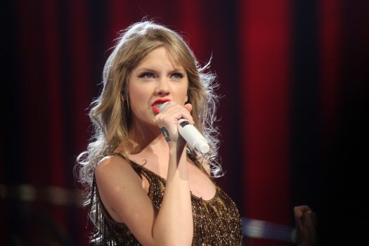 Taylor Swift speaks out against Scooter Braun and demands rights to her music by any means necessary. (Credit: Creative Commons)